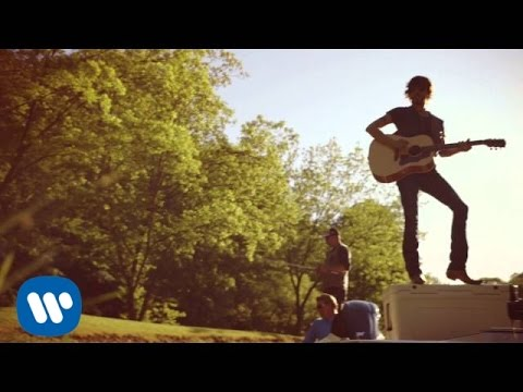 "Chris Janson – ""Buy Me A Boat"" Official Video"